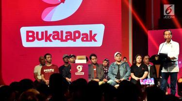 Presiden Joko Widodo memberi sambutan saat menghadiri acara hari ulang tahun (HUT) ke-9 BukaLapak di Jakarta Convention Center (JCC), Kamis (10/1). Jokowi memandang peluang bisnis e-commerce di Indonesia masih sangat besar. (Liputan6.com/HO/Biropers)