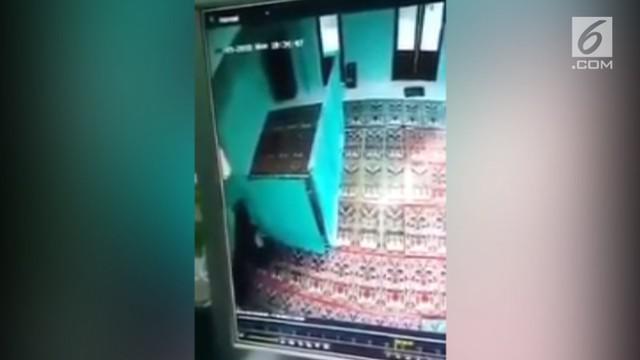 Dua santri melakukan hubungan tak senonoh dalam sebuah masjid di Salatiga, Jawa Tengah.