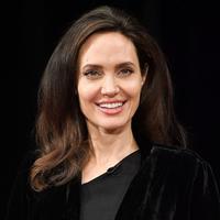 Sudah dua tahun sudah proses perceraian Angelina Jolie - Brad Pitt berlangsung. Meski belum selesai, Angie dikatakan siap untuk menikah lagi. (DIA DIPASUPIL  GETTY IMAGES NORTH AMERICA  AFP)