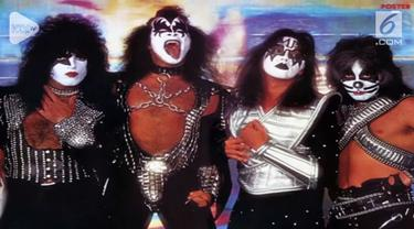 Anggota band Rock Kiss akan mengadakan tour pamungkas pada januari mendatang.