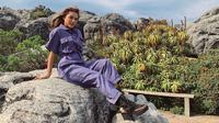 Aurel Hermansyah mengunjungi Table Mountain di Afrika Selatan. (dok. Instagram @aurelie.hermansyah/https://www.instagram.com/p/B2lcr2igzRo/Putu Elmira)
