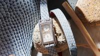 Tali jam tangan yang terbuat dari kulit salmon (Dok.Instagram/@ictyos_official/https://www.instagram.com/p/CFKfUUnCvav/Komarudin)