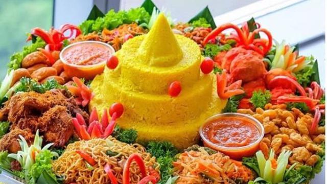 Makna Dan Sejarah Nasi Kuning Doa Baik Dari Tradisi Jawa Lifestyle Liputan6 Com