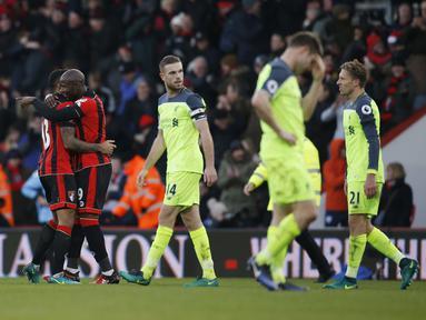 Para pemain AFC Bournemouth merayakan kemenangan atas Liverpool pada laga Premier League di Vitality Stadium, (04/12/2016). AFC Bournemouth menang 4-3.  (Action Images/Reuters/Paul Childs)