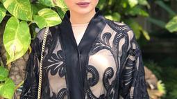 Selain keturunan Aceh ternyata Asha Shara juga keturunan Arab. Artis kelahiran 27 Oktober 1987 sering terlihat menghiasi layar kaca melalui FTV atau sinetron lainnya. (Liputan6.com/IG/@ashasyara)