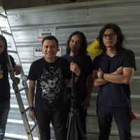 Selain suami Ashanty, para personelnya Kidnap Katrina, antara lain Massto (drum), Koko (gitar), Gorga (bass), Damon Koeswoyo (gitar), dan alm. Teguh (keyboard). (Adrian Putra/Bintang.com)