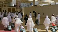 Jemaah haji asal Palembang, Sumatera Selatan tiba di Bandara King Abdul Aziz. Darmawan/MCH