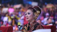Soimah mengungkap beda antara pakai makeup dan tanpa makeup (Adrian Putra/Fimela.com)