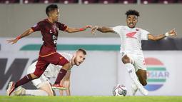 PSM mencetak gol lebih dulu melalui Yakob Sayuri pada menit ke-29. Memanfaatkan umpan Ilham Udin, pemain berusia 24 tahun itu mampu menggetarkan gawang Borneo FC. (Bola.com/Bagaskara Lazuardi)