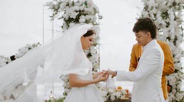 Pernikahan Reza Arap dan Wendy