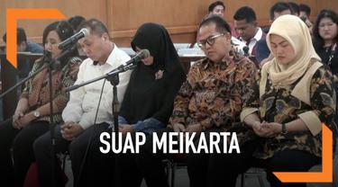 Bupati Bekasi non-aktif Neneng Hasanah dituntut [enjara 7,5 tahun penjara dan denda Rp250 juta oleh jaksa penuntut umum.