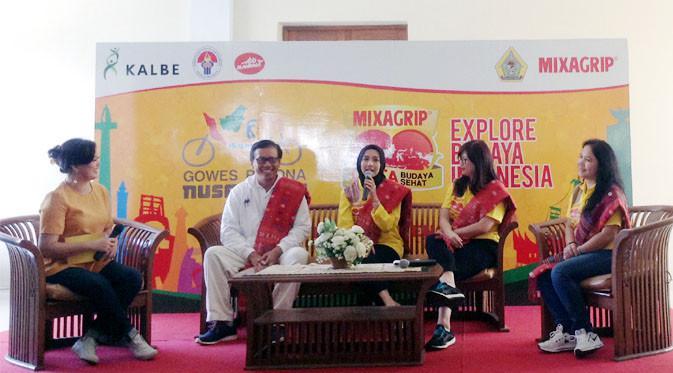 "Laudya Cynthia Bella Dinobatkan jadi Duta Ayo Olahraga dalam Kegiatan Mixagrip ""Explore Budaya Indonesia""."