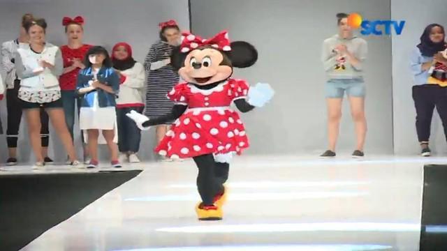 Kehadiran koleksi Minnie Rocks the Dots langsung disambut meriah penonton Jakarta Fashion Week (JFW) 2018.
