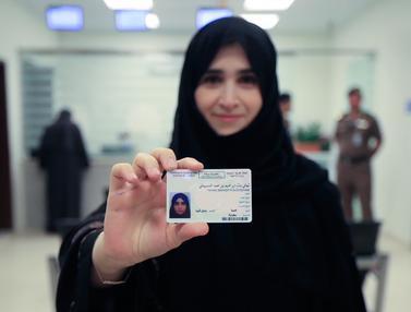 Arab Saudi Keluarkan SIM Pertama untuk Wanita