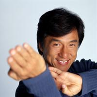 Biasanya orang lain akan memilih melatih binatang buas. Namun, Jackie Chan memilih ikan untuk dilatihnya.