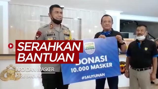 Berita video Persib Bandung menyerahkan bantuan sebanyak 250 APD (Alat Pelindung Diri) dan 10.000 masker kepada Polda Jawa Barat, Kamis (2/7/2020).