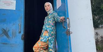 Tinggal menghitung hari untuk menuju bulan Ramadan. Banyak orang telah melakukan berbagai persiapan untuk menjalankan puasa, tarawih dan ibadah lainnya selama 30 hari nanti. Salah satunya adalah Zaskia Adya Mecca. (Instagram/zaskiadyamecca)