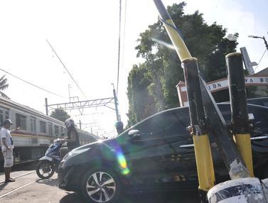 Perlintasan Kereta Tanpa Palang Pintu Ancam Keselamatan Pengendara