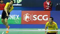 Hendra Setiawan / Mohammad Ahsan merebut tiket semifinal Thailand Masters berkat kemenangan atas pasangan Malaysia, Goh V Shem/Tan Wee Kiong, Kamis (11/2/2016). (PBSI)