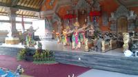 Tarii Bali di Gianyar saat kunjungan kerja Menteri Desa Eko Putro Sandjojo (Liputan6.com / HMB)