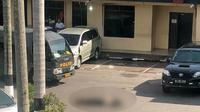 Mapolda Riau diserang terduga teroris, 1 orang tewas.