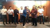 43 perusahaan anggota asosiasi financial technology Indonesia (AFTECH) menandatangani pedoman pelaku layanan pinjam meminjam uang berbasis teknologi informasi yang bertanggung jawab. (Foto:Liputan6.com/Bawono Y)
