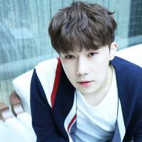 Berita mengejutkan datang dari vokalis boyband Infinite, Sunggyu. Pasalnya ia mengumumkan jia dirinya akan menjalankan tugas wajib militer pada 14 Mei 2018. (Foto: soompi.com)