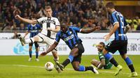 Lukaku telah menemukan kembali ketajamannya di Inter Milan musim ini. Pria 26 tahun tersebut sudah mengoleksi 17 gol di Serie A. (AP/Antonio Calanni)