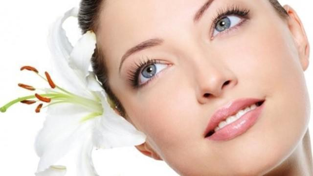 Agar tidak berdapampak buruk bagi kesehatan dan kecantikan kamu, ini cara yang tepat memakai produk perawatan kulit.