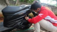 Bagi Anda yang sehari-hari menggunakan sepeda motor patut memperhatikan hal-hal berikut agar si kuda besi selalu dalam kondisi prima