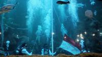 Pengibaran bendera di Seaworld Ancol