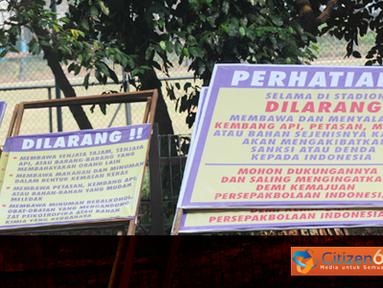 Citizen6, Jakarta: Himbauan ini diperuntukkan penonton yang akan menyaksikan pertandingan penyisihan Piala Dunia antara Indonesia vs Qatar yang disiarkan SCTV hari Selasa (11/10). (Pengirim: Sunyoto)