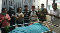 Operasi pasien obesitas Titi Wati. (Liputan6.com/Rajana K)
