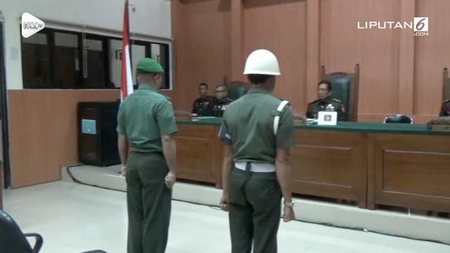 Anggota TNI yang mencabuli dua anak di bawah umur mendapat hukuman penjara dan diberhentikan dari institusi.