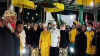 Patih Kasultanan Kanoman Cirebon Pangeran Patih Raja Muhammad Qodiran memimpin peringatan Pelal Ageng Panjang Jimat. Foto (Liputan6.com / Panji Prayitno)