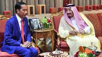 Presiden Joko Widodo dan Raja Salman menggelar pertemuan bilateral di Al-Qasr Al-Khas, Minggu (14/4/2019). (Doc. Setpres)
