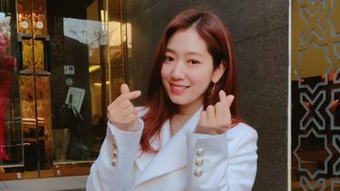 [Bintang] Bukan Penyanyi, 8 Idol Korea Ini Punya Suara Merdu