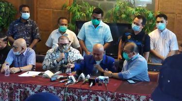 Jumpa Pers Darmizal Cs, peserta KLB Demokrat Deli Serdang. ©2021 Merdeka.com