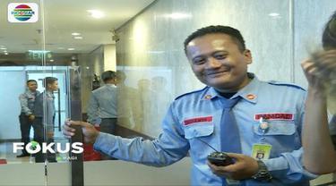 Ketua DPR Bambang Soesatyo menyatakan peluru nyasar berasal dari Perbakin yang sedang mengadakan latihan tembak reaksi (sasaran bergerak) di Lapangan Tembak Senayan.