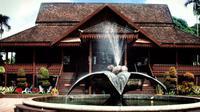 Museum Kraftangan (www.muzium.kelantan.gov.my/Komarudin)