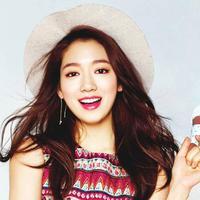 Selain punya wajah yang cantik, Park Shin Hye juga berhati dermawan. Ia peduli dengan program pendidikan anak-anak. Ia juga menyumbang 50 juta won untuk tragedi kapal Sewol tenggelam. (Foto: allkpop.com)