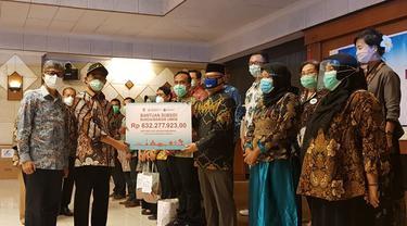 Penyerahan subsidi margin non KUR ke KSPPS Baitul Maal wa Tamwil (BMT) Usaha Gabungan Terpadu (UGT) Sidogiri, di Jawa Timur senilai Rp 632 juta.