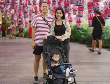 Potret Bahagia Ardina Rasti Liburan Bersama Anak dan Suami
