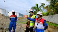 Direksi Pertamina meninjau Integrated TerminalManggis yang berlokasi di Karangasem, Bali.