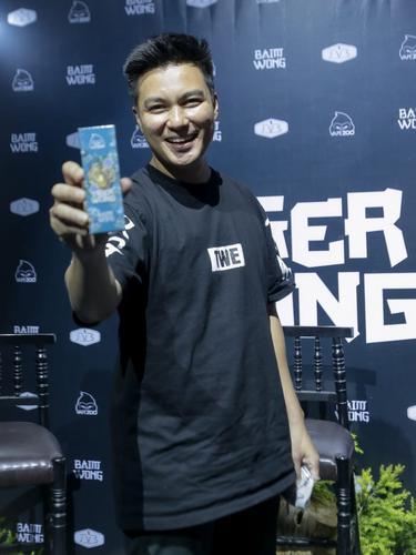 Baim Wong memperkenalkan liquid Tiger Wong