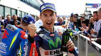 Pebalap Movistar Yamaha, Jorge Lorenzo, merebut pole position setelah menjadi yang tercepat pada sesi kualifikasi MotoGP San Marino di Sirkuit Misano, Sabtu (10/9/2016). (Crash)