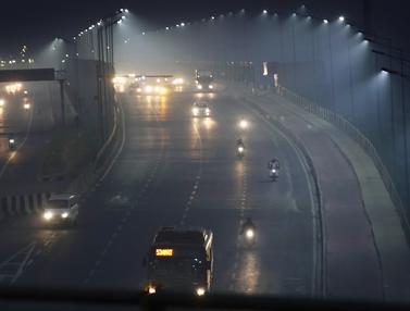 New Delhi Diselimuti Kabut Usai Perayaan Diwali