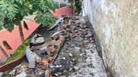 Puing bangunan terdampak gempa magnitudo 4,8 di Aceh. (Dok BNPB)