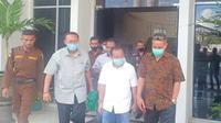 Foto:. Mantan Wali Kota Kupang Jonas Salean saat dijemput tim kuasa hukum di Rutan Kupang (Liputan6.com/Ola Keda)