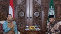 Ketua MPR RI Bambang Soesatyo atau Bamsoet  Saat Bertemua dengan Ketua PP Muhammadiyah, Haedar Nasir di Gedung Dakwah PP Muhammadiyah, Menteng, Jakarta Pusat, Senin (16/12/19). (Foto: Moch Harunsyah/Liputan6.com)